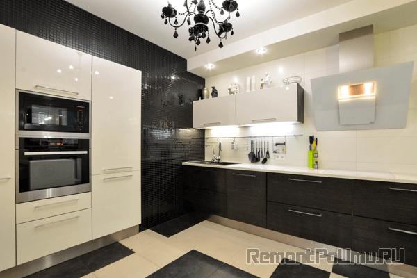 Мозаика на стенах кухни
